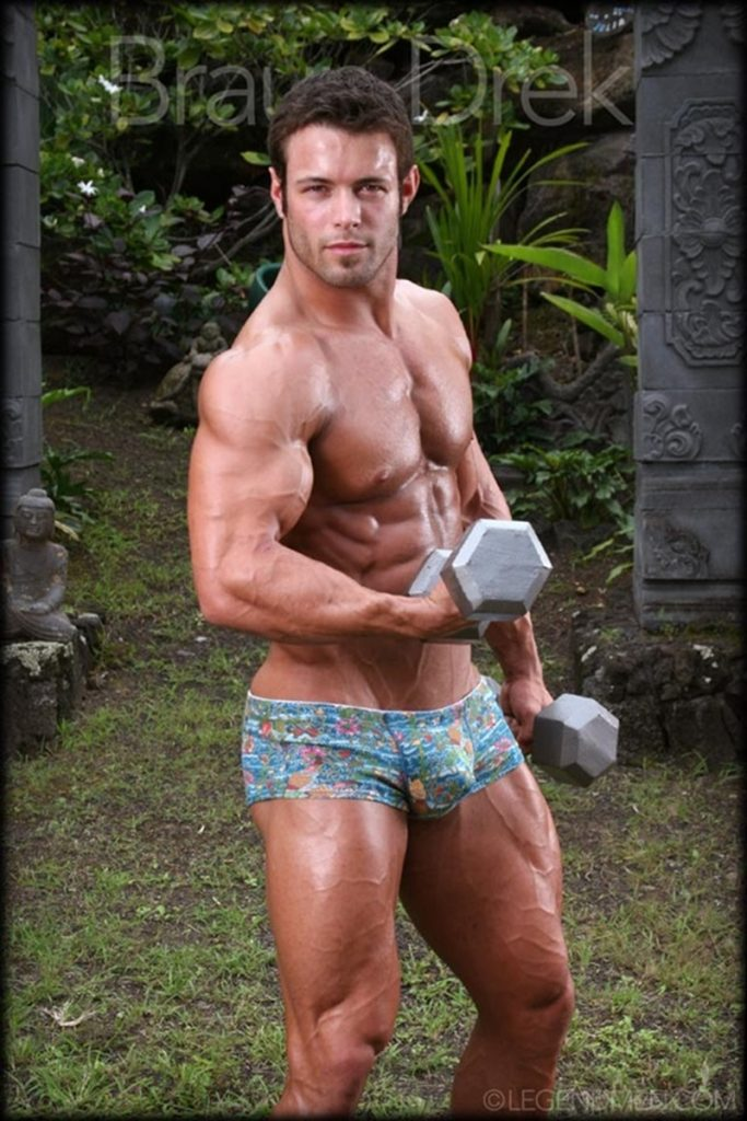 Shaved chested big muscle hunk Braun Drek 002 porn gay pics 683x1024 - Shaved chested big muscle hunk Braun Drek