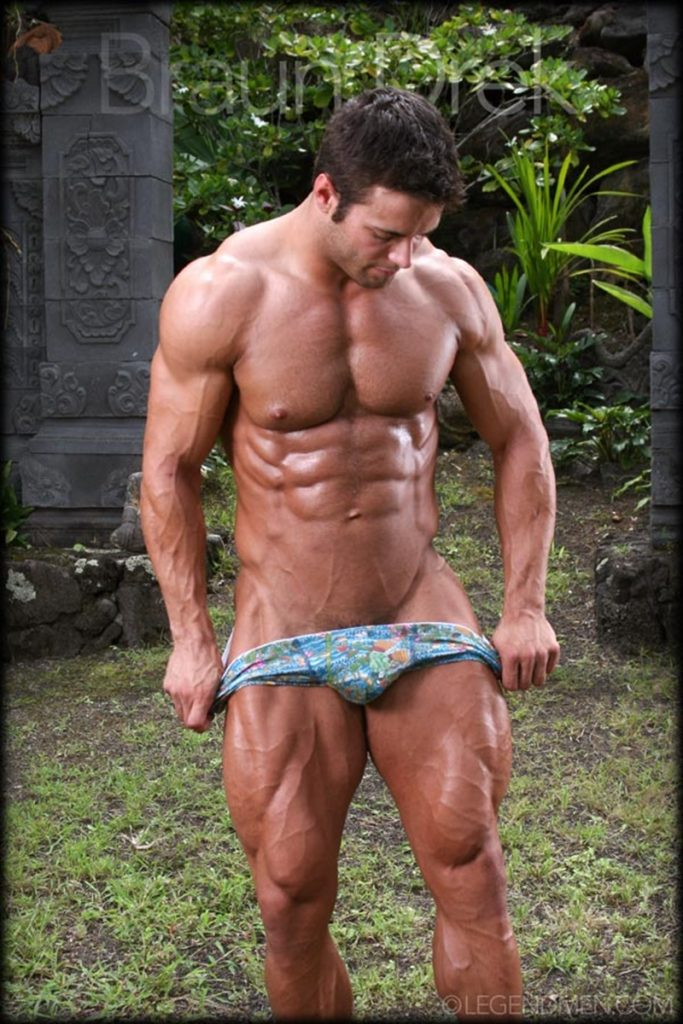 Shaved chested big muscle hunk Braun Drek 005 porn gay pics 683x1024 - Shaved chested big muscle hunk Braun Drek