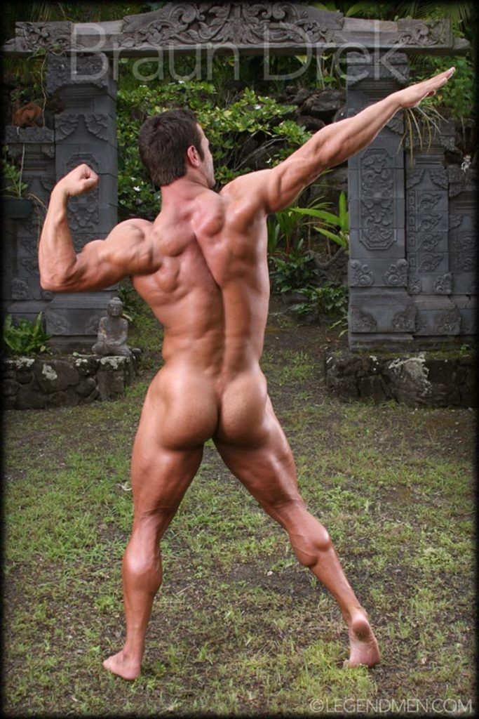Shaved chested big muscle hunk Braun Drek 009 porn gay pics 683x1024 - Shaved chested big muscle hunk Braun Drek
