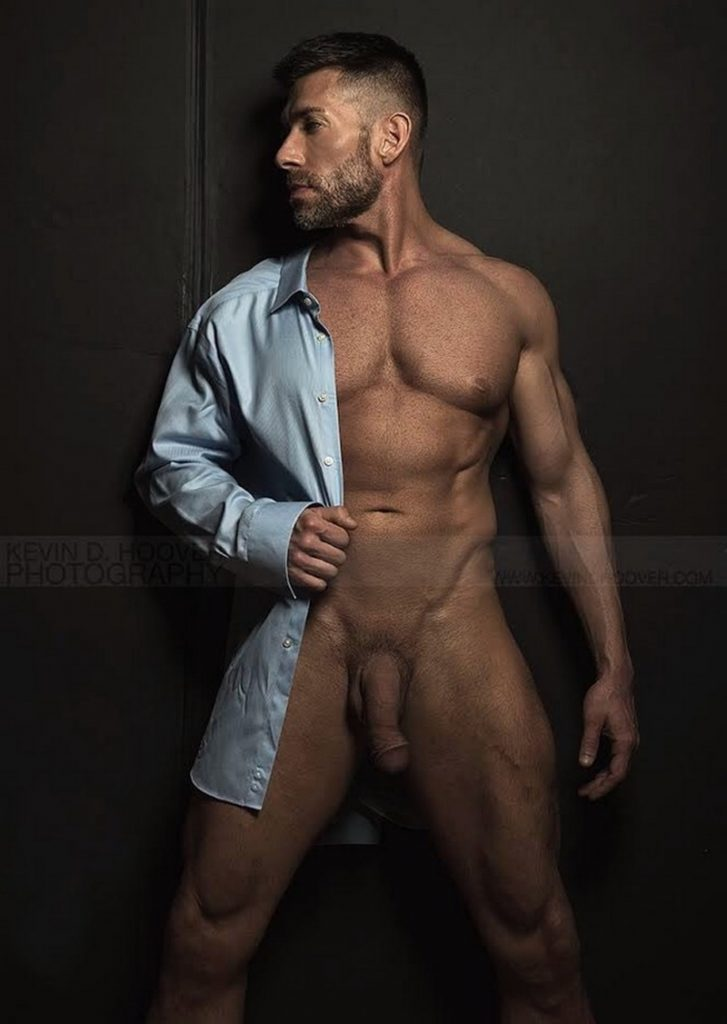 Tanned big muscle stud Bruce Beckham 005 porn gay pics 727x1024 - Tanned big muscle stud Bruce Beckham