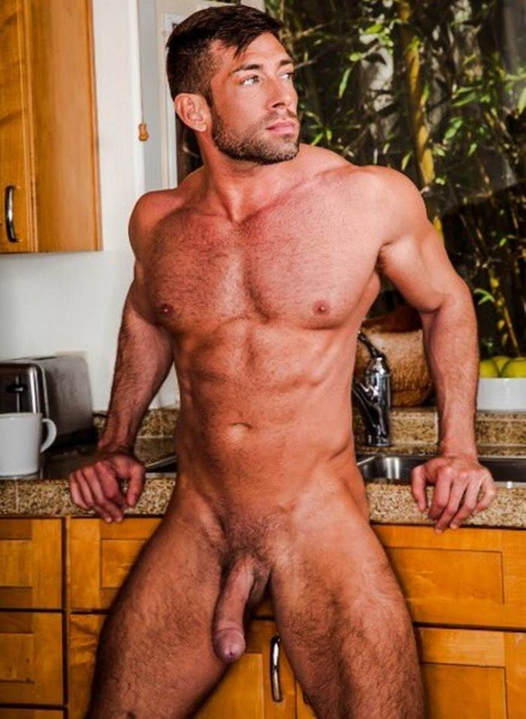 Tanned big muscle stud Bruce Beckham 006 porn gay pics 749x1024 - Tanned big muscle stud Bruce Beckham