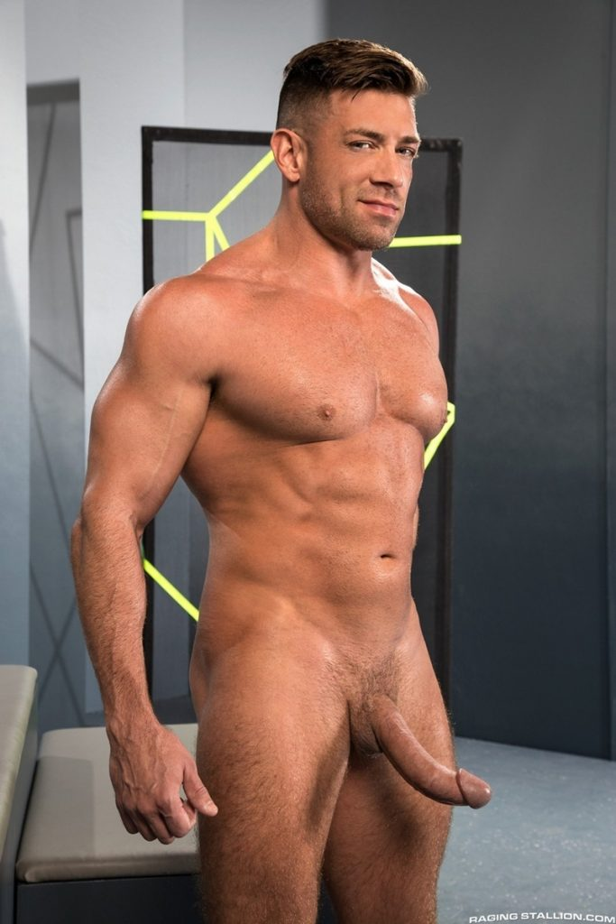 Tanned big muscle stud Bruce Beckham 010 porn gay pics 683x1024 - Tanned big muscle stud Bruce Beckham