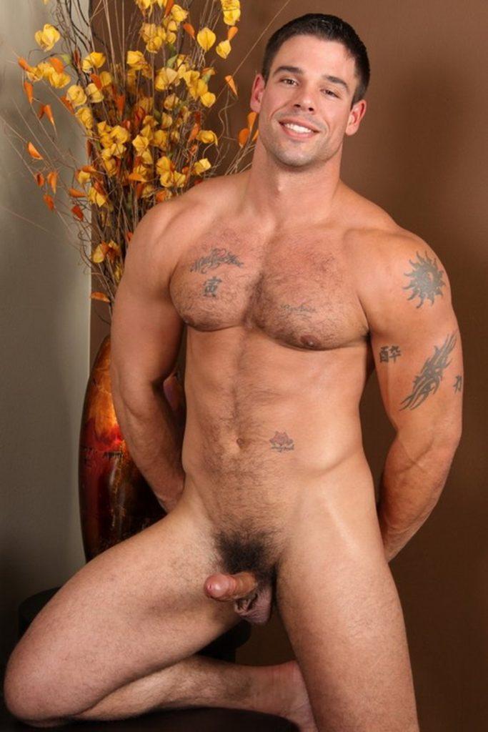 Good looking big muscle boy Derek Atlas 006 gay porn pics 683x1024 - Good looking big muscle boy Derek Atlas