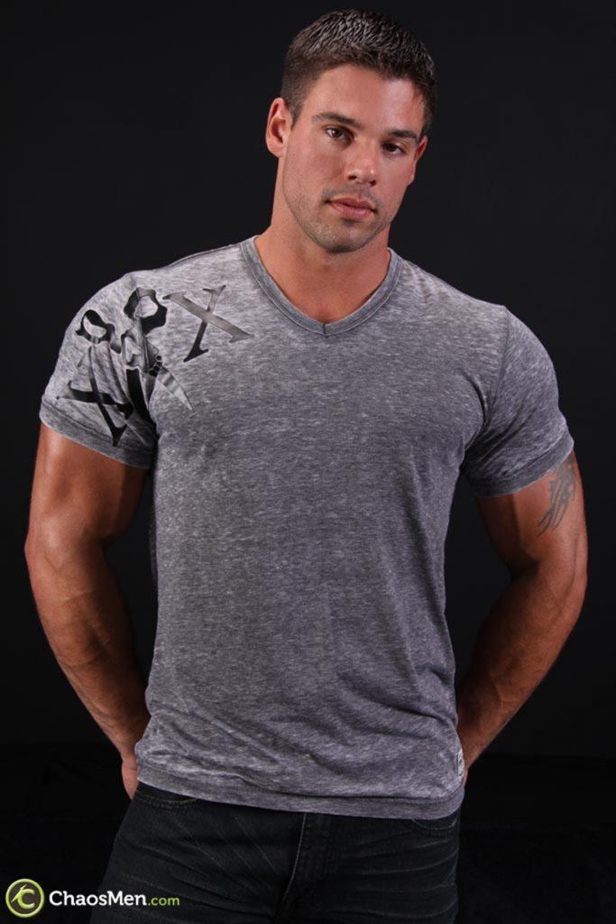 Good looking big muscle boy Derek Atlas 007 gay porn pics 683x1024 - Good looking big muscle boy Derek Atlas