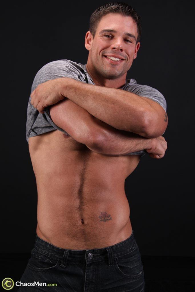 Good looking big muscle boy Derek Atlas 008 gay porn pics 683x1024 - Good looking big muscle boy Derek Atlas