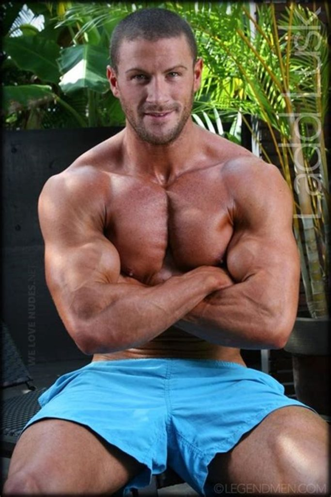 Gorgeous shaved headed muscle dude Ladd Lusk 001 gay porn pics 683x1024 - Gorgeous shaved-headed muscle dude Ladd Lusk