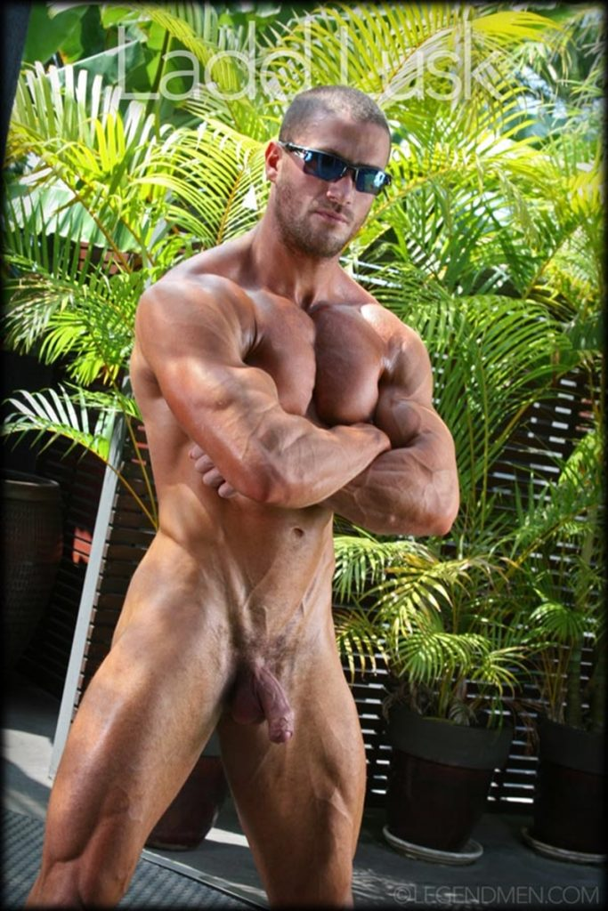 Gorgeous shaved headed muscle dude Ladd Lusk 021 gay porn pics 683x1024 - Gorgeous shaved-headed muscle dude Ladd Lusk