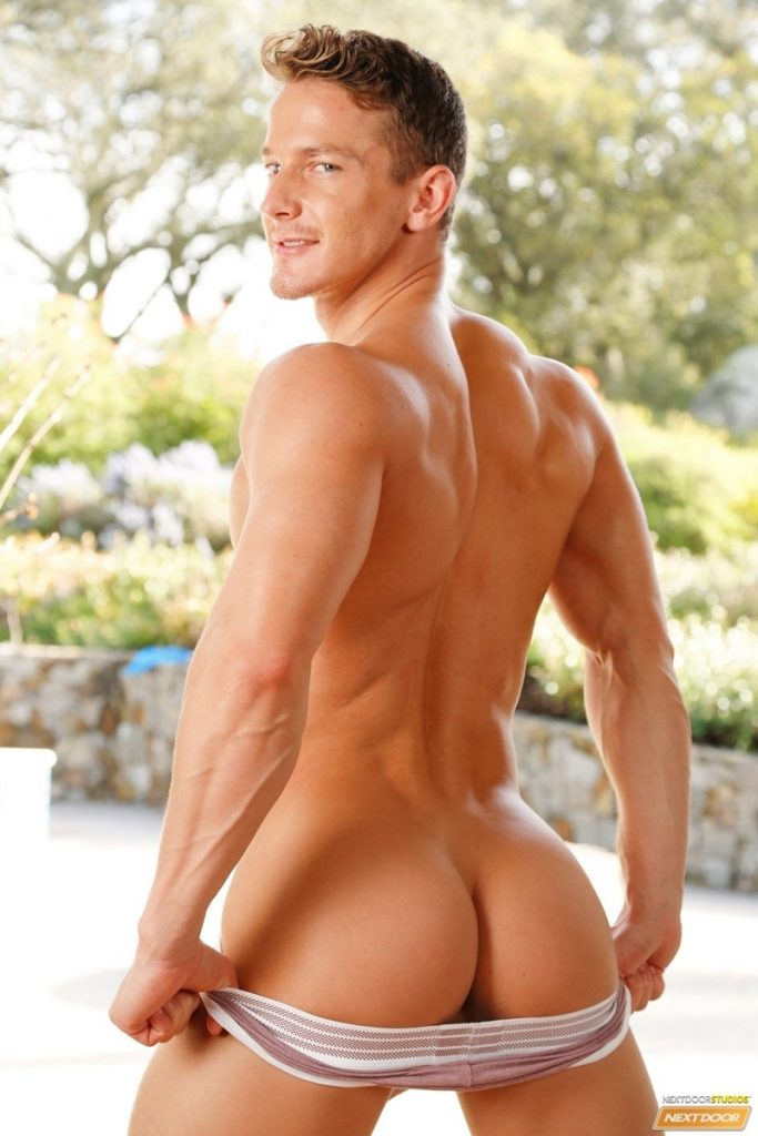 Sexy Hungarian naked muscle stud Darius Ferdynand 027 gay porn pics 683x1024 - Sexy Hungarian muscle stud Darius Ferdynand porn star