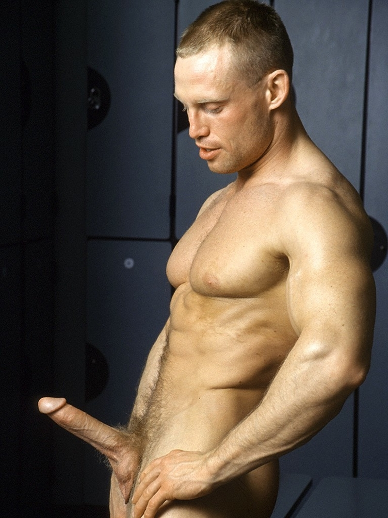 Sexy big muscle man Phil Dicker just what the doctor ordered 001 gay porn pics - Sexy big muscle man Phil Dicker is just what the doctor ordered