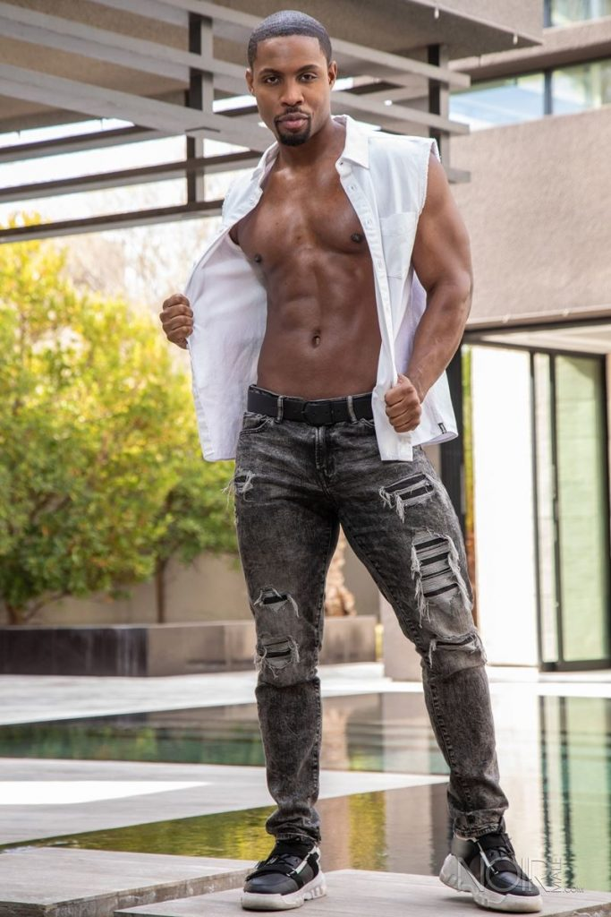 Beautiful black stud DeAngelo Jackson shows off sexy naked muscled body 001 gay porn pics 683x1024 - Beautiful black stud DeAngelo Jackson shows off his sexy naked muscled body