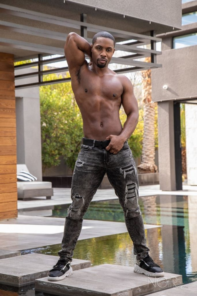 Beautiful black stud DeAngelo Jackson shows off sexy naked muscled body 008 gay porn pics 683x1024 - Beautiful black stud DeAngelo Jackson shows off his sexy naked muscled body