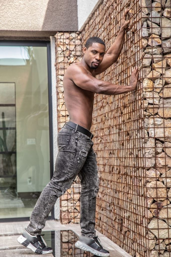 Beautiful black stud DeAngelo Jackson shows off sexy naked muscled body 013 gay porn pics 683x1024 - Beautiful black stud DeAngelo Jackson shows off his sexy naked muscled body