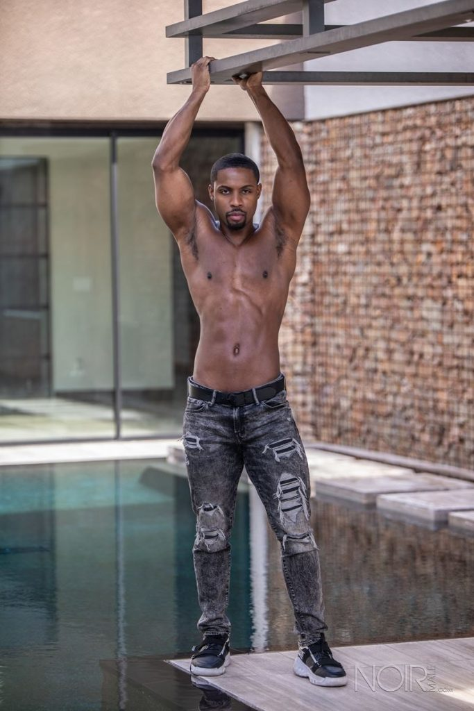 Beautiful black stud DeAngelo Jackson shows off sexy naked muscled body 017 gay porn pics 683x1024 - Beautiful black stud DeAngelo Jackson shows off his sexy naked muscled body