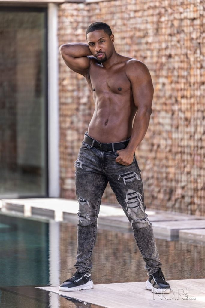 Beautiful black stud DeAngelo Jackson shows off sexy naked muscled body 018 gay porn pics 683x1024 - Beautiful black stud DeAngelo Jackson shows off his sexy naked muscled body