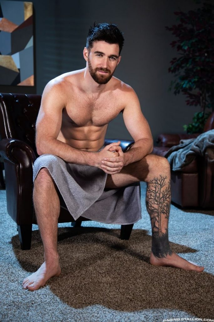 Hot bearded ripped Australian muscle stud Woody Fox sexy body big dick 013 gay porn pics 683x1024 - Hot bearded ripped Australian muscle stud Woody Fox shows off his sexy body and big uncut dick