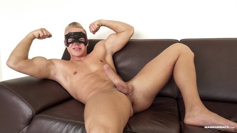 Maskurbate Sexy blond Mickey mask jerking huge cock ripped muscle guy 001 gallery video photo - Sexy blond Mickey dons his mask and slips his hand inside his pants jerking his huge cock till he blows