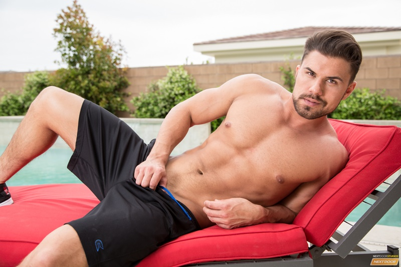 NextDoorMale Vincent Williams big muscle bound stud big thick cock massive precum bubble butt good looking guy muscled hunk 003 gay porn sex gallery pics video photo - Vincent Williams is a muscle bound stud from Phoenix with a big cock