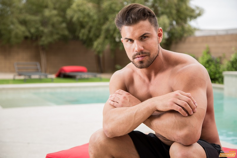 NextDoorMale Vincent Williams big muscle bound stud big thick cock massive precum bubble butt good looking guy muscled hunk 004 gay porn sex gallery pics video photo - Vincent Williams is a muscle bound stud from Phoenix with a big cock