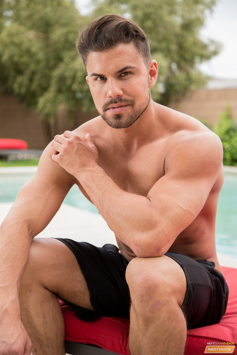 NextDoorMale Vincent Williams big muscle bound stud big thick cock massive precum bubble butt good looking guy muscled hunk 006 gay porn sex gallery pics video photo - Vincent Williams is a muscle bound stud from Phoenix with a big cock