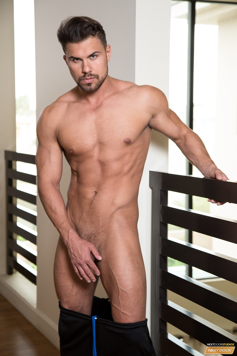 NextDoorMale Vincent Williams big muscle bound stud big thick cock massive precum bubble butt good looking guy muscled hunk 013 gay porn sex gallery pics video photo - Vincent Williams is a muscle bound stud from Phoenix with a big cock